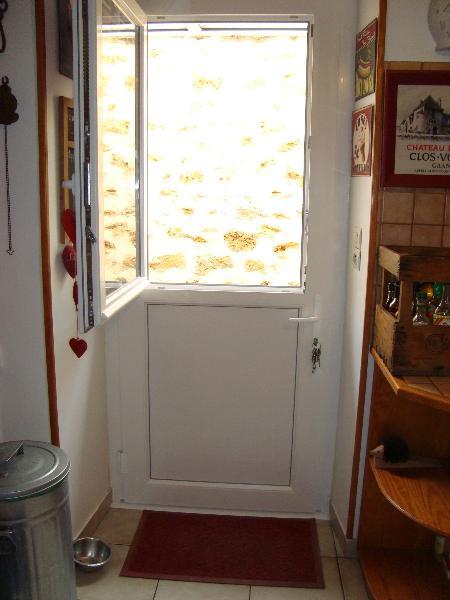 porte d 39 entr e fermi re pvc blanc porte amtb miroiterie. Black Bedroom Furniture Sets. Home Design Ideas