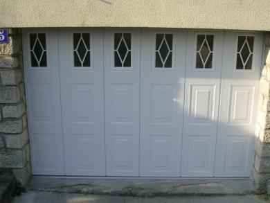 Porte de garage à ouverture latérale