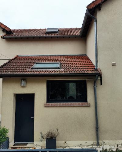 Fenêtres, Volets roulants solaires et moustiquaires intégrée