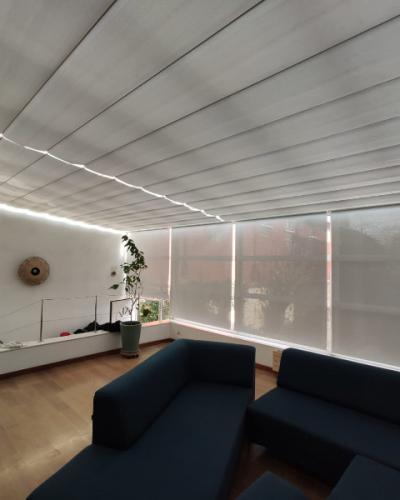 Stores de toiture coulissant - SOLARIA de chez Reflex'Sol.