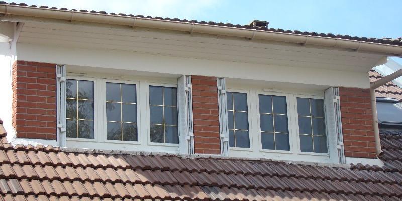 Porte fenêtre PVC Blanc - Vitrage petit bois lairon